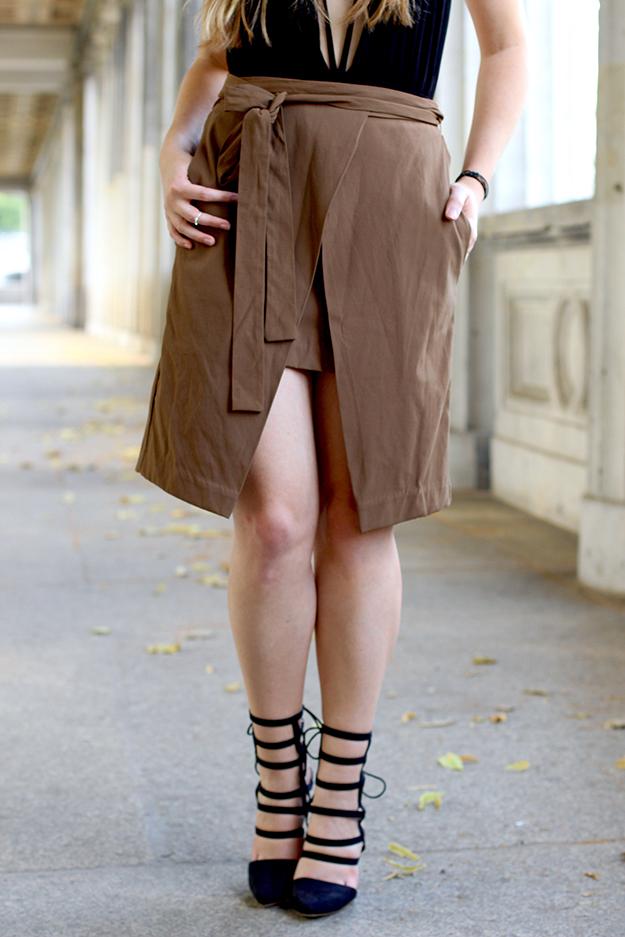 10  Wickelrock braun und schwarze Gladiator Highheels Mode blog köln