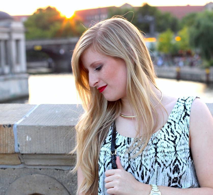 3 Modeblog Sonnenuntergang roter Lippenstift ootd