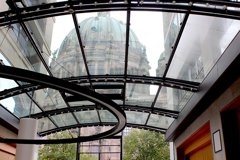 Berliner Dom Ausblick von Konferenzräumen Radisson Blu