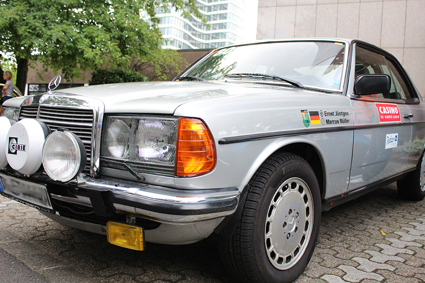 Mercedes_Benz_W_123_Coupe_frontal_Fashion_Lifestyle