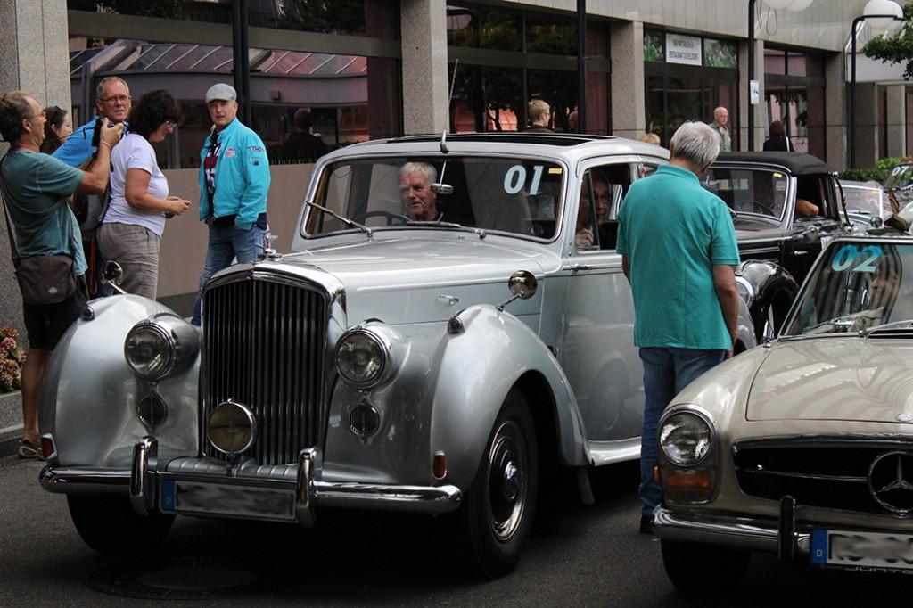 Start_Rallye_Bentley_Monte_Carlo