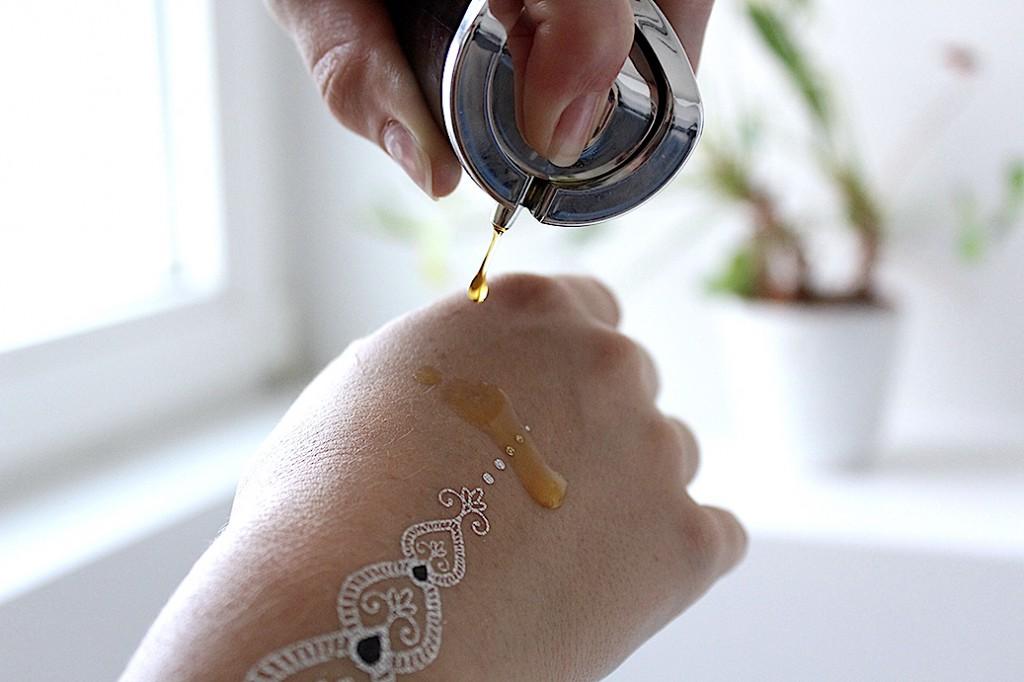 Verwöhnprogramm Haut Rare Oil Blend Vestige Verdant Hautöl Flash Tattoo Metallic
