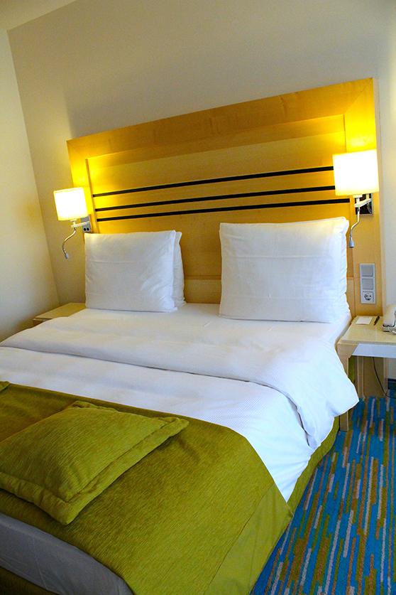Radisson Blu Hotel Hamburg Airport Suite Ocean Schlafzimmer