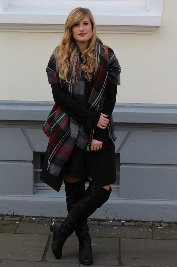 2-Overknee-Stiefel-Layering-Schal-Modeblog