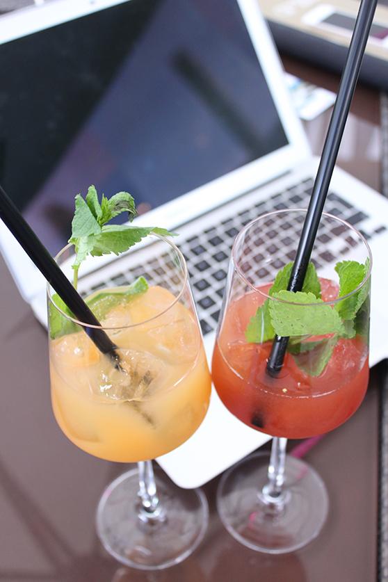 Fashion Blogger MacBook Arbeit Apple Cocktails Blogger at work