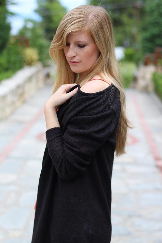 Petite Fashion Blog Griechenland OOTD Lookbook schwarzer Cardigan 4