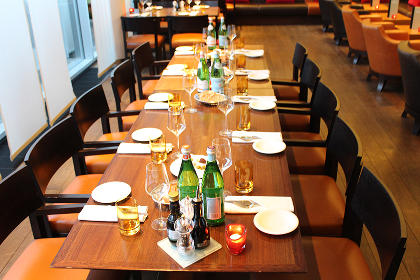 Reiseblog Hotelbericht Radisson Blu Hotel Medienhafen Düsseldorf Amano Restaurant Bar