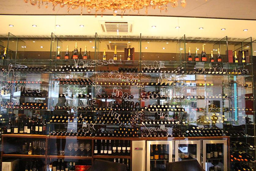 Reiseblog Hotelbericht Radisson Blu Hotel am Medienhafen in Düsseldorf Eigangshalle Blogger