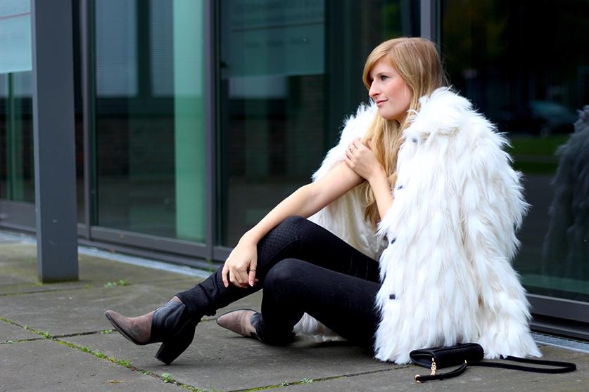 weiße Felljacke Kunstfell Herbstlook stylen Trend 2015 ootd streetstyle Köln