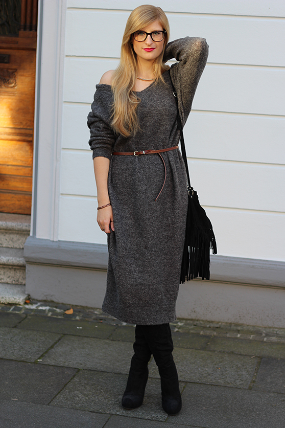 Graues Wollkleid Asos kombinieren schwarze Overknees mit goldenen Schmuck Modeblog Deutschland Köln Wintermode 1
