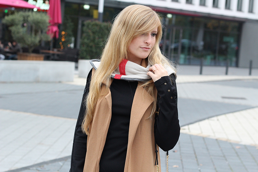 Langer ärmerlloser Mantel in Caramel von Asos Burberry Schal Modeblog 9