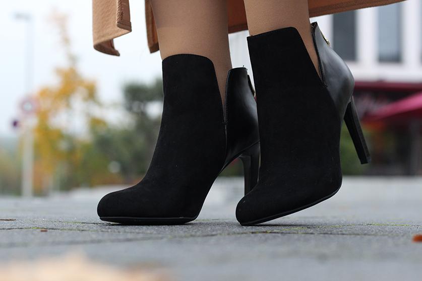 Langer ärmerlloser Mantel in Caramel von Asos Stiefeletten schwarz Zara Outfit Herbst Modeblog 8