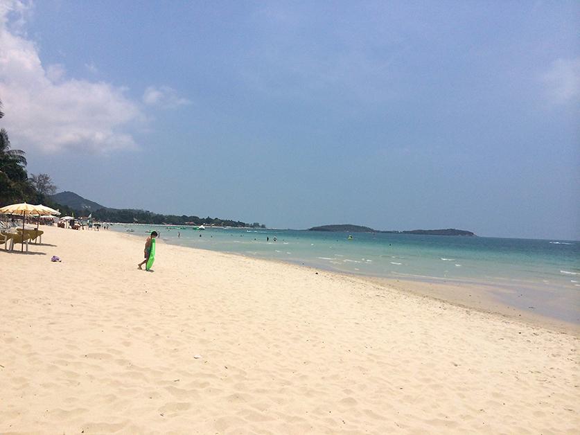 Reiseblog Reiseplanung Thailand Inselhopping Traumstrand glasklares Wasser Sandstrand 2