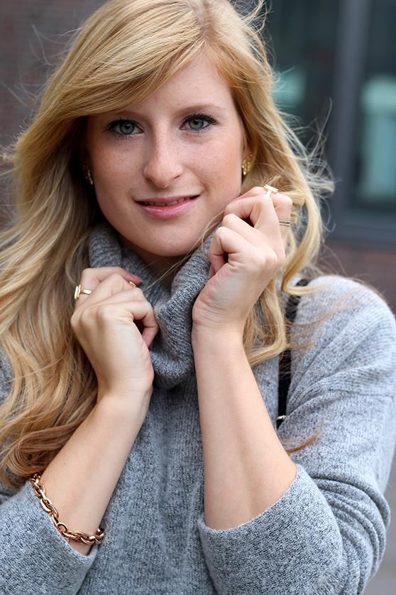 Winter Look Rollkragenpullover grau von Asos goldener Schmuck Modeblog Deutsch OOTD 7