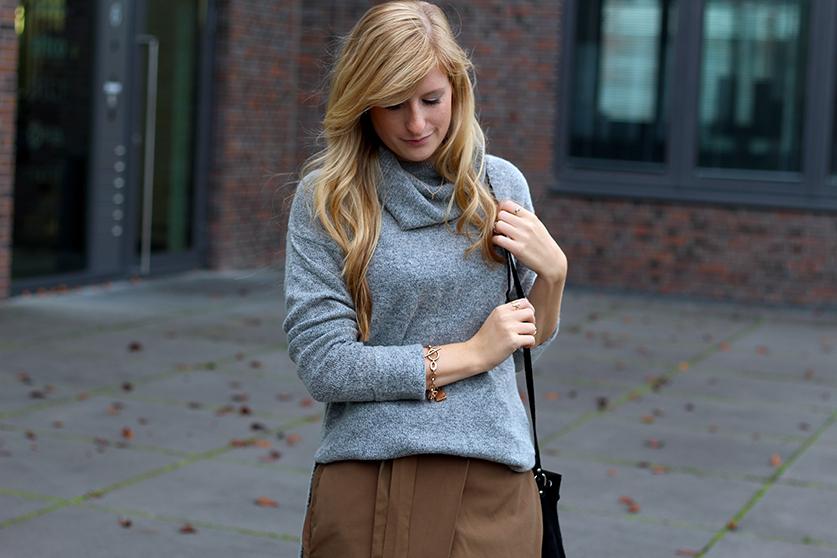 Winter Look Rollkragenpullover grau von Asos goldener Schmuck Modeblog Deutsch OOTD 9