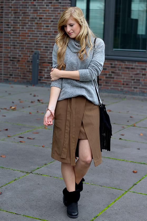 Winter Look gefütterte Booties schwarz mit Rollkragenpullover grau von Asos und Wickelrock Zara Modeblog Deutsch 1