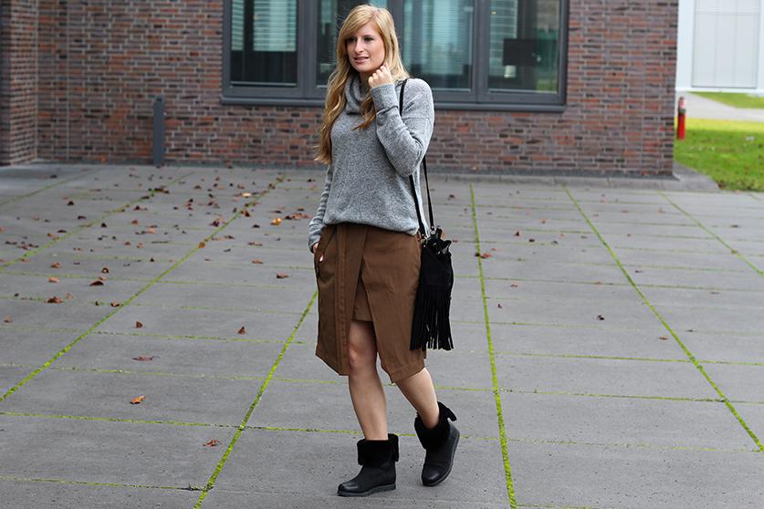 Winter Look gefütterte Booties schwarz mit Rollkragenpullover grau von Asos und Wickelrock Zara Modeblog Deutsch 4