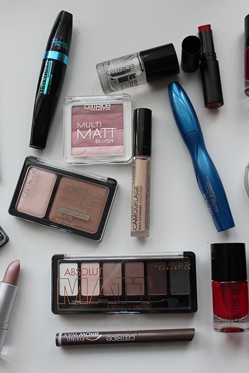 Catrice Adventskalender 2015 Lidschatten Catrice Wimperntusche Beauty Produkte Test Beauty Blog Weihnachten Brinis Fashionbook