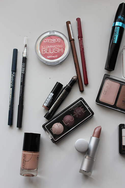 Catrice Nude Nagellack Lidschatten Adventskalender 2015 Beauty Produkte Test Beauty Blog Weihnachten Brinis Fashionbook