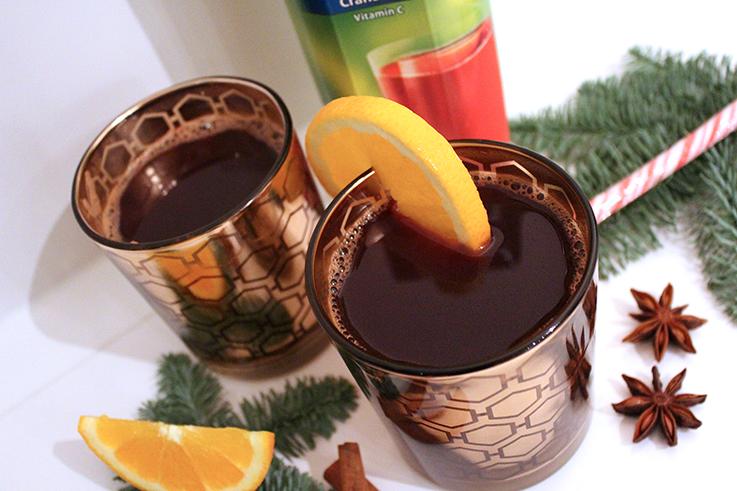 Cranberry Adventspunsch Rezept weihnachtlicher Mädelsabend Interior Glas Zimt Saft Orange Dekoration Küche 2