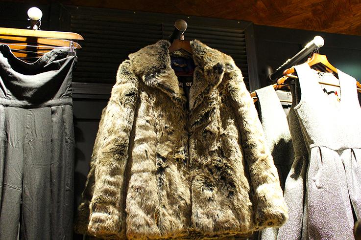 Fashion Blog Köln Cologne Superdry Store Eröffnung Store Opening Modeblogger Wintermode Kunstfelljacke