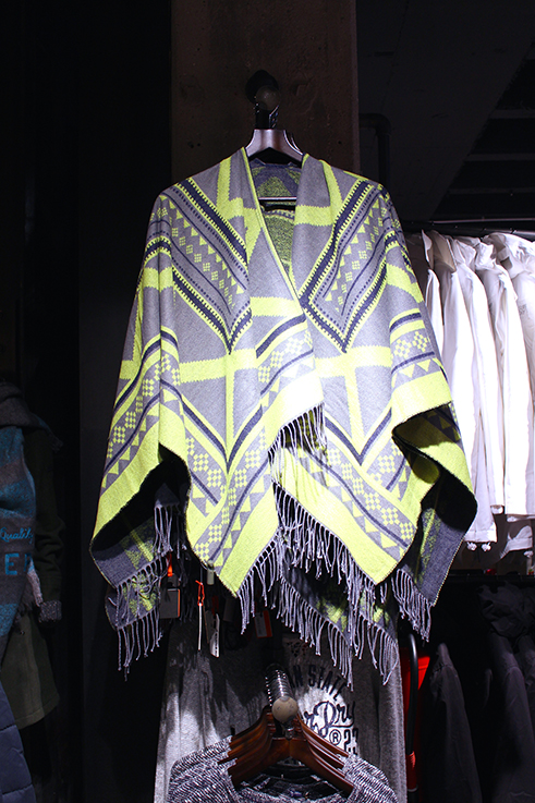 Fashion Blog Köln Cologne Superdry Store Eröffnung Store Opening Modeblogger Wintermode Poncho Cape