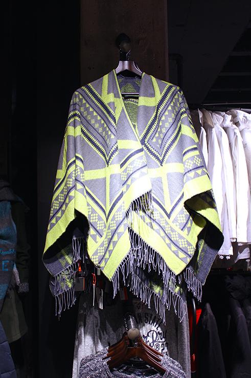 Fashion Blog Köln Cologne Superdry Store Eröffnung Store Opening Modeblogger Wintermode Poncho Cape