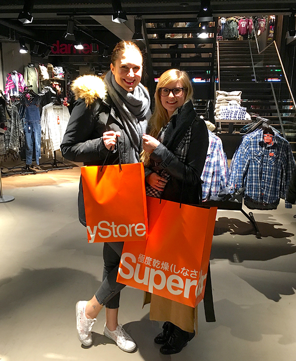 Fashion Blog Köln Cologne Superdry Store Eröffnung Store Opening Modeblogger the golden kitz Brinis FashionBook