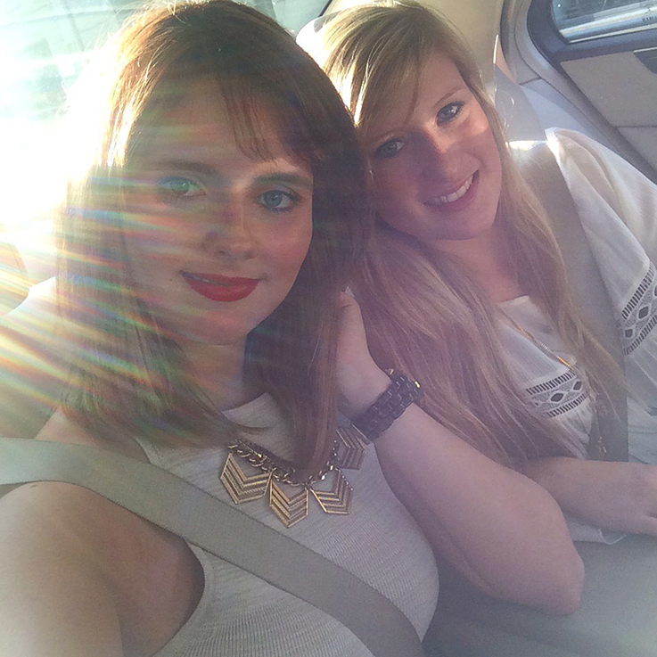 Fashion Week Berlin Mode Bloggerinnen Brinis Fashionbook Des-Belles-Choses Julia Taxi Show Selfie