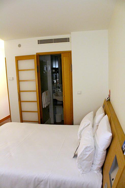 Hotel Novotel Aachen City Zimmer Bett Einrichtung weihnachtliches Wochenende Hotelbericht Reiseblog