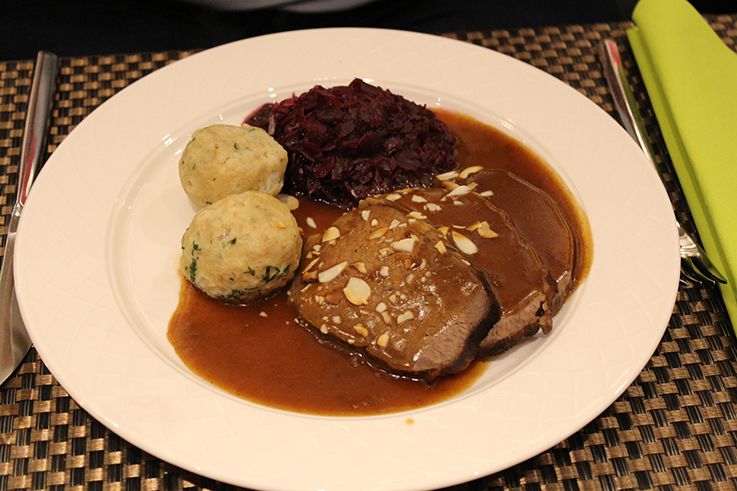Weihnachtsmarkt Aachen Hotel Novotel Aachen City weihnachtliches Wochenende Hotelbericht Reiseblog Restaurant traditionelles regionales Gericht