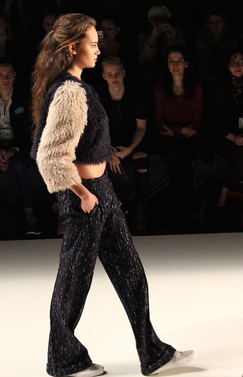Anne Gorke Fashion Show DYE & THE SKY Herbst:Winter 2016:17 Fashion Week Berlin Pullover Modeblog 1