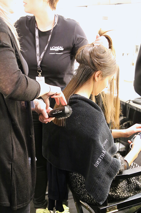Backstage Fashion Week Berlin Januar 2016 MBFWB Odeur Fashion show Ecco Shoes Haarstyling