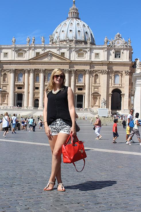 Brini_auf_dem_Petersplatz_im_Vatikan_Rom_Travelblog