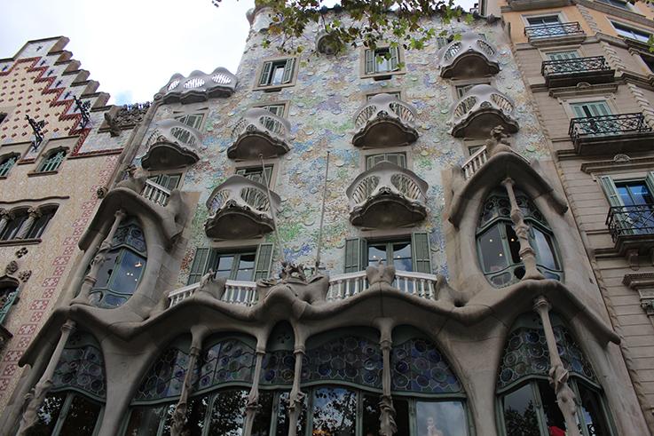 Casa_Battlo_Antoni_Gaudi_Barcelona_Frontansicht_Sehenswürdigkeit_Reisetipp_Reiseziele_Europa _Reiseberichte