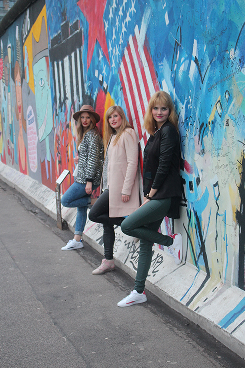 Fashion Blogger Bloggerinnen Köln in Berlin streetstyle Winter OOTD Modeblogger when-love-speaks Brinis FashionBook Des-Belles-Choses Outfits Winter