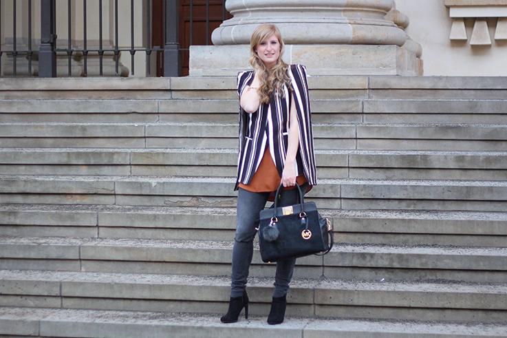 MBFW Outfit Tag 2: Cape-Blazer mit Herbststreifen, Skinny Jeans und Stiefeletten