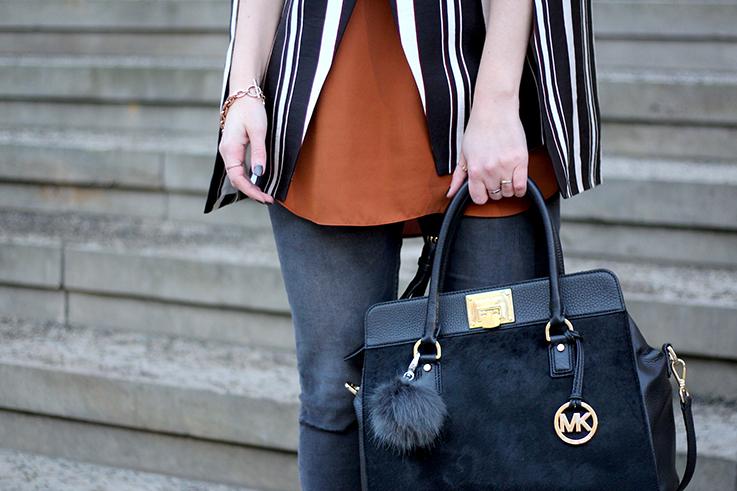 Fashion Week Outfit MBFW Modeblog Berlin Skinny Jeans schwarze Michael Kors Handtasche OOTD 2