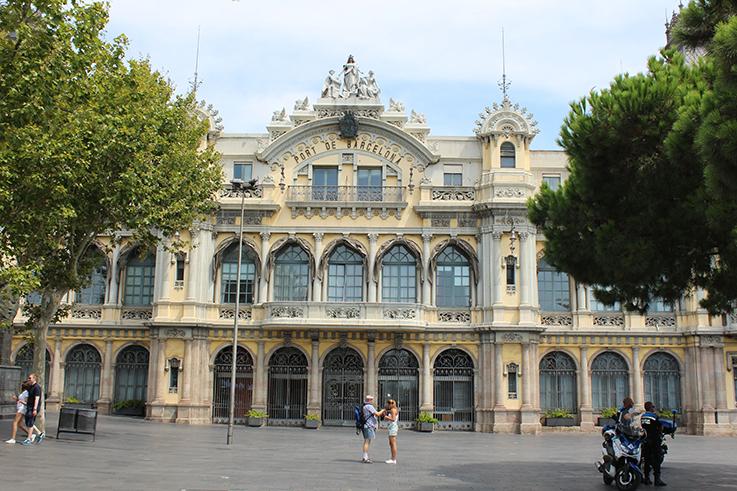Hafen_Hafengeäude_Barcelona_Travelblog_Reisetipps