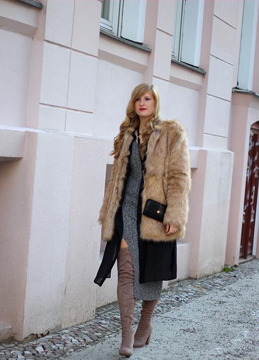 OOTD Fashion Week Berlin Outfit langes Wollkleid Asos Overknees Kunstfelljacke Zara streetstyle Blog 9