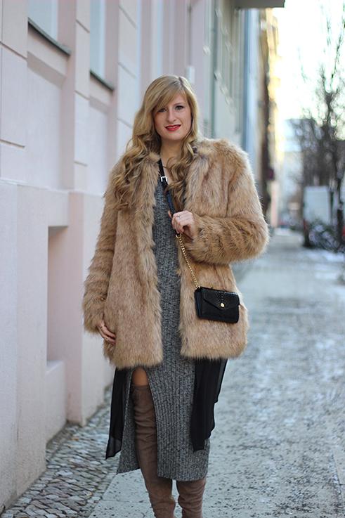 OOTD Fashion Week Berlin streetstyle Blog Outfit Wollkleid Asos Overknees Kunstfelljacke Zara 92