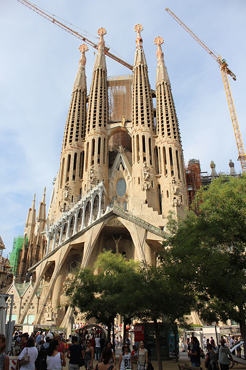 Sagrada_Familia_Barcelona_Antoni_Gaudi_Reisetipp_Reiseziele_Europa _Reiseberichte