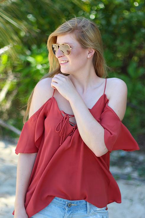 Beach Look Schnüroberteil Asos Jeans Hotpants Hollister Strandmode Coconut Beach Khao Lak Thailand Reiseblog Outfit OOTD 2