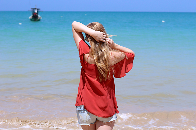 Beach Look Schnüroberteil Asos Jeans Hotpants Hollister Strandmode Coconut Beach Khao Lak Thailand Reiseblog Outfit OOTD 6