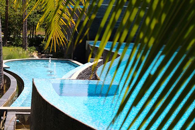 Hotel_Review_The_Haven_Khao_Lak_Poolblick_Travelblogger_Travelblog_Luxusresort