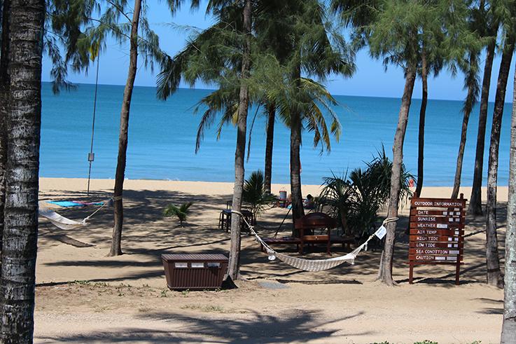 Hotelbericht_The_Haven_Khao_Lak_Reiseblog_Thailand_Haengematten_am_Strand_Travelblog_Deutschland_Luxusresort