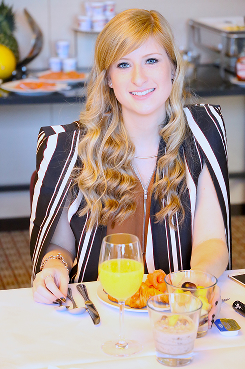 Influencer Brinis Fashionbook Alba Moda Blogger Brunch Hilton Berlin MBFW Blogger Event Modeblog