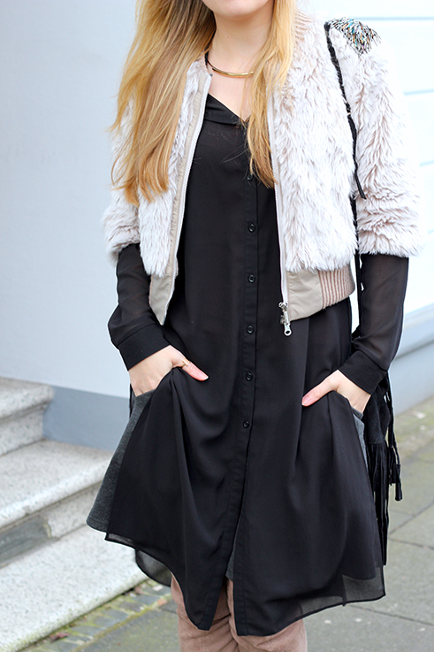 Kunstpelz Bomber Jacke im Layering, langer Bluse, Overknees Asos braun Fashion Blog Köln 4