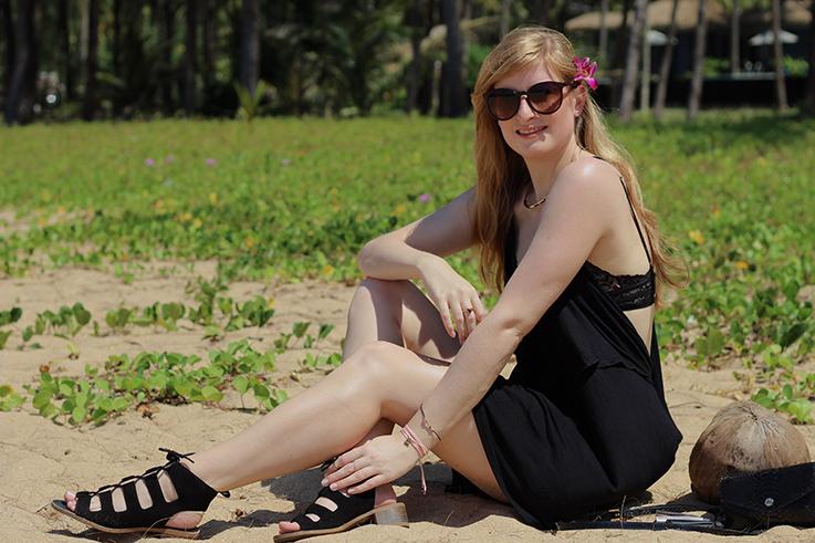 Schwarzes Jersey Strandkleid Faltenlook Asos Khuk Khak Beach Khao Lak Strandoutfit Modeblog 1