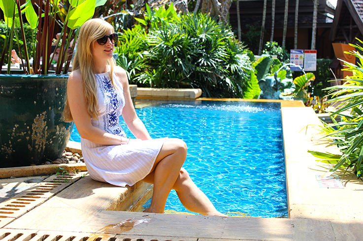 Amari Vogue Krabi Thailand Luxushotel Hotelbericht Review Reiseblog Pool Brinis Fashion Book